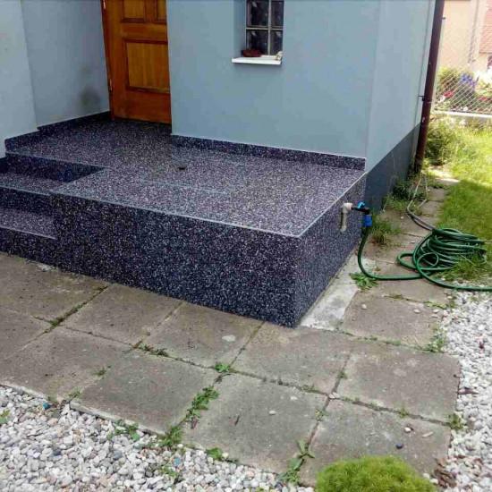 vstup do domu, schody