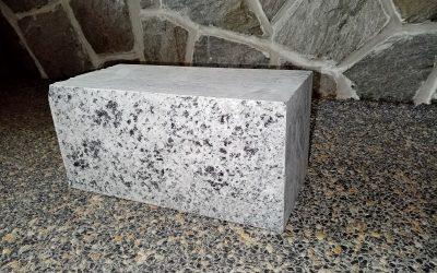 Žulové bloky bílo šedé - 1
